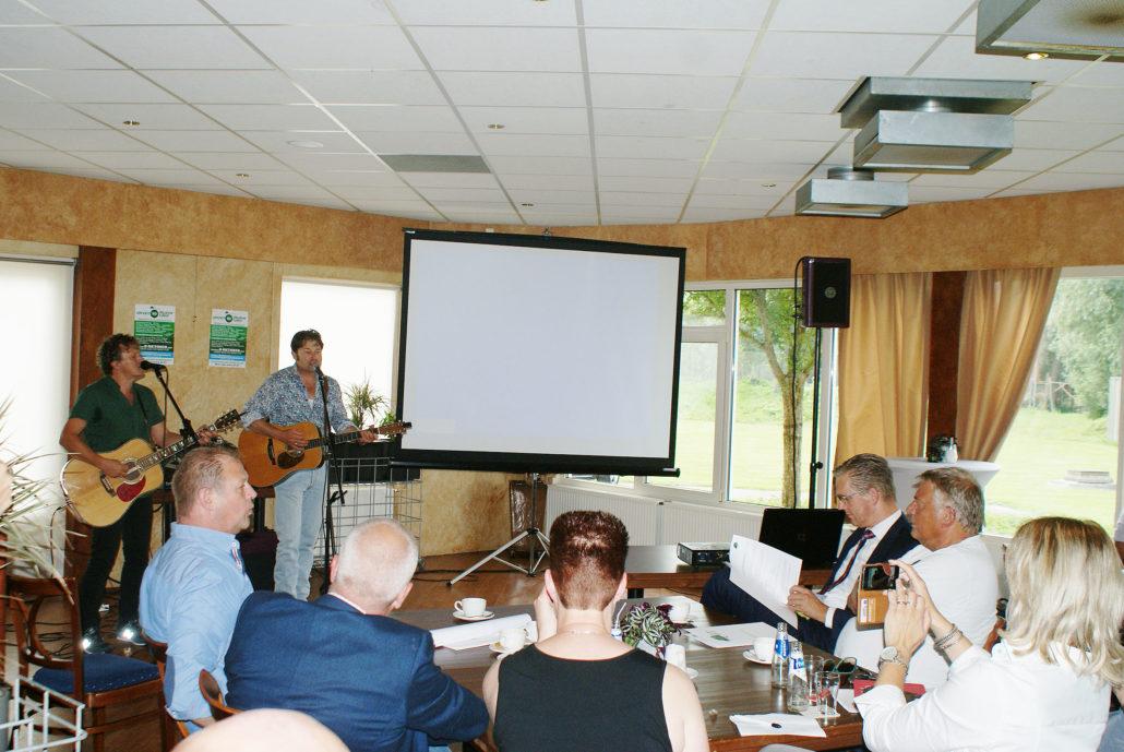 """Presentatie nieuwe single """"Leven van de Wind"""" door Syb van der Ploeg en Piter Wilkens Stichting JIT"""