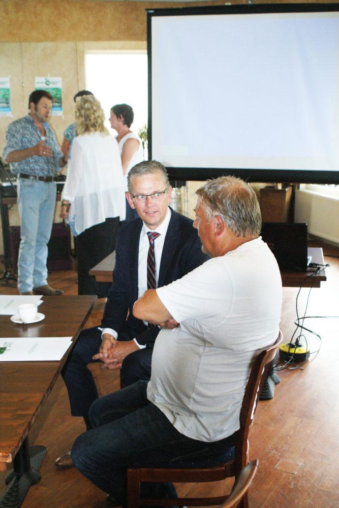 Burgemeester Jeroen Gebben en journalist Eelke Lok