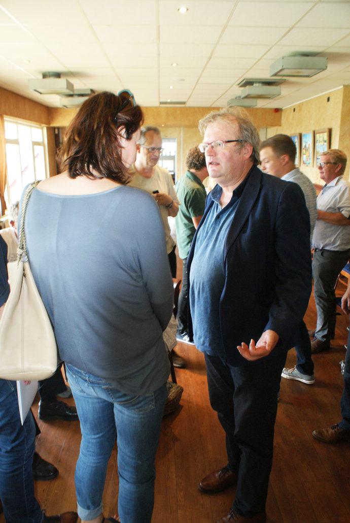 Tina Lageweg communicatie gemeente Tytsjerksteradiel in gesprek met wethouder Jan Atze Nicolai gemeente Leeuwarden
